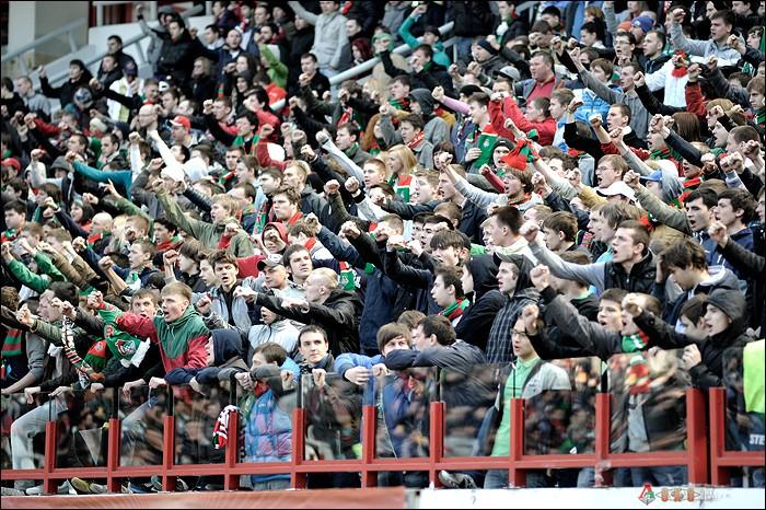 Фото с матча Локомотив-Зенит 13 апреля 2013 года