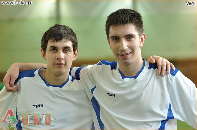 Лучший нападающий турнира Кирилл и капитан команды Лист Олег