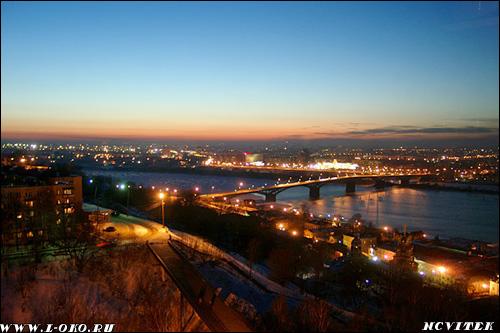Канвинский мост. Вид с Кремля ночью