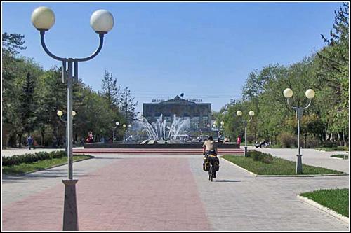 В новом центре Невинномысска. www.vladsc.narod.ru