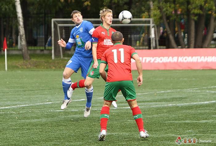 Фото с матча  Локомотив-2  - Псков-747   2-1