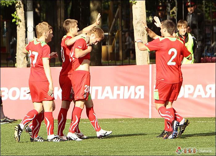 Фото с матча Локомотив-2 - Сатурн-18