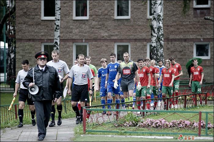 Фото с матча  Локомотив-2 - Петротрест  2-0