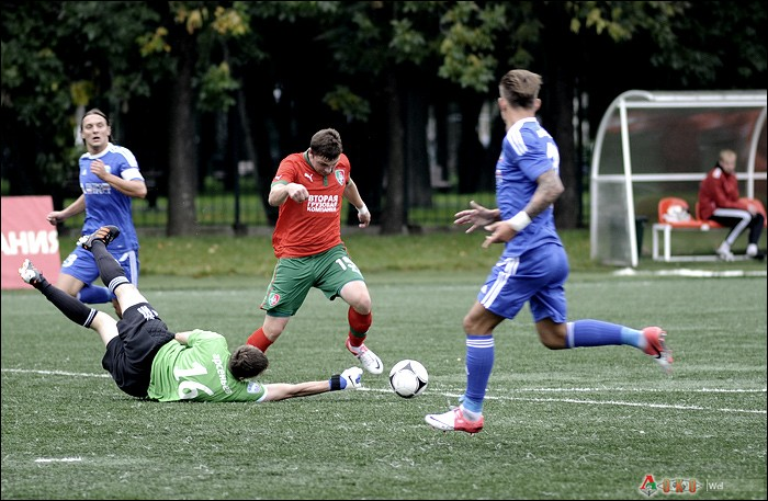 Фото с матча  Локомотив-2 - Петротрест