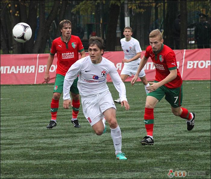Фото с матча Локомотив-2 - Спартак Кострома